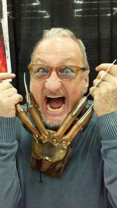 Robert Englund with my glove Mehr Horror Icons, Horror Films, Freddy Horror, Freddy 3, Robert Englund, Bruce Campbell, Best Horrors, Freddy Krueger, Nightmare On Elm Street