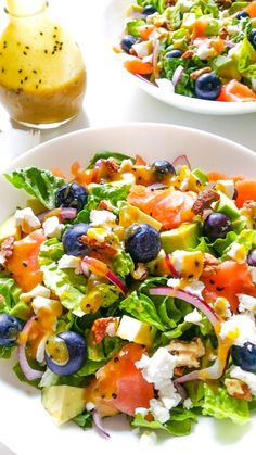 Salad with salmon, avocado and blueberries (strengthening the brain) - Salad wi. - Salad with salmon, avocado and blueberries (strengthening the brain) – Salad with salmon, avocad - Raw Food Recipes, Mexican Food Recipes, Salad Recipes, Cooking Recipes, Healthy Recipes, Asparagus Recipe, Slow Food, Side Dishes Easy, Saveur