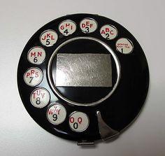 Schiaparelli compact 1935