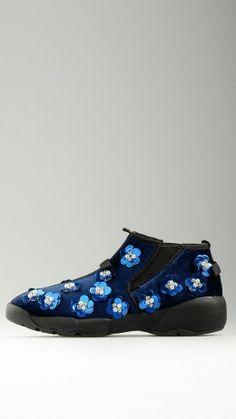 Floral inserts blue velvet runner