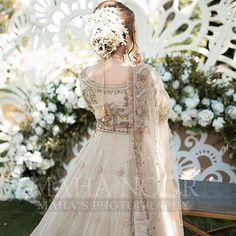 Asian Bridal Dresses, Designer Party Wear Dresses, Wedding Dresses For Girls, Pakistani Bridal Makeup, Pakistani Wedding Outfits, Dress Makeover, Beautiful Pakistani Dresses, Bridal Photoshoot, Bridal Pics