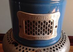 Vintage Perfection 1630 Smokeless Oil Kerosene Heater Blue Porcelain Stove USA | eBay Stove Installation, Oil Heater, Kerosene Heater, Aladdin Lamp, Blue Flames, Appliance Parts, Gas Stove, Antique Items, Colorful Pictures