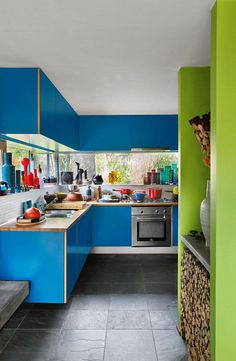 modernist villa in BelgiumI wonder if it would work if we droppped the top window in our kitchen and made it more slot like similar to this?