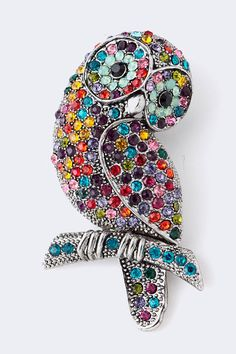 brooch owl could be butler and Wilson of London UK? Bird Jewelry, Animal Jewelry, Jewelery, Jewelry Design, Vintage Pins, Vintage Brooches, Vintage Owl, Vintage Ideas, Unique Vintage