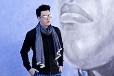perfect scarf wrap for men with black shirt spitfire sunglasses mirrored