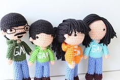 I recently got a custom order from my high school friend who wanted me to make a set of dolls of his family. It's based on a photo on their FaceBook in which they're all wearing a Gap h...