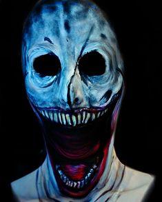 Une artiste maquilleuse se transforme elle-même en terrifiants monstres