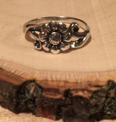 Vintage Flower Ring Boho Hippie Gypsy Swirl Sterling Silver 925 https://www.etsy.com/listing/257843574/vintage-flower-ring-boho-hippie-gypsy?utm_source=socialpilotco&utm_medium=api&utm_campaign=api  #jewelry #ring