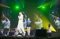 椎名林檎、緻密な演出で魅せた「百鬼夜行」ツアーNHKホール公演(画像 6/9) - 音楽ナタリー