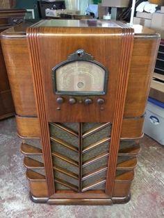 Arlington-Console-Radio