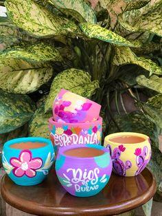 Painted Plant Pots, Painted Flower Pots, Diy Crafts Hacks, Diy Home Crafts, Pots D'argile, Decorated Flower Pots, Flower Pot Crafts, Container Gardening Vegetables, Diwali Decorations