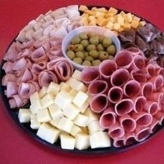 Food Snacks Salty - - Food Cravings Meaning - Party Platters, Party Trays, Snacks Für Party, Appetizers For Party, Appetizer Recipes, Picnic Recipes, Meat Appetizers, Fruit Snacks, Fruit Smoothies