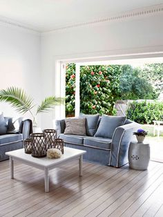 australia sydney hamptons style - I like this context but would use different colours, lighter & brighter