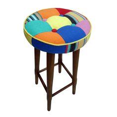 Gostou desta Banqueta Tecido Patchwork Colorido 7025 - Phorman, confira em: https://www.panoramamoveis.com.br/banqueta-tecido-patchwork-colorido-7025-phorman-4419.html