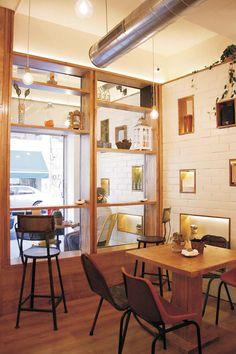 Mobiliario para hostelería Francisco Segarra en el diseño interiori de Cinco Sentidos.