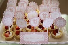 girl baby shower themes | For the favors, I did my usual....sugar cookies (to go with the theme)