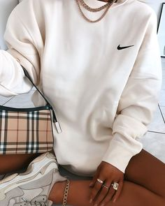 Discover recipes, home ideas, style inspiration and other ideas to try. Retro Outfits, Vintage Outfits, Cute Lazy Outfits, Chill Outfits, Sporty Outfits, Nike Outfits, Trendy Outfits, Fashion Outfits, Sunday Outfits