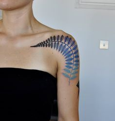 Gradient Leaf http://tattooideas247.com/gradient-leaf/