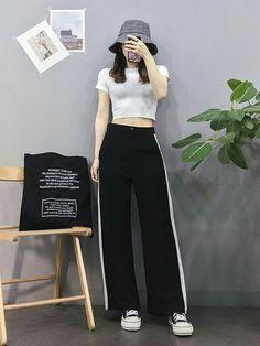 Check out this Stylish korean street fashion can find Korean street fashion and more on our website.Check out this Stylish korean street fas. Basic Fashion, Set Fashion, Korean Girl Fashion, Korean Fashion Trends, Korean Street Fashion, Ulzzang Fashion, Korea Fashion, Trendy Fashion, Fashion Models