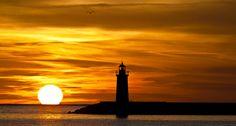 Participa hasta el 31 de agosto en el XI Concurso de Fotografía El Foton elfoton.com #elfoton15 #Paisaje Usuario: Cesc (España) - Puesta en el puerto - Tomada en Andratx el 15/02/2013 #photos #travel #viajes #igers #500px #Picoftheday #Fotos #mytravelgram #tourism #photooftheday #fotodeldia #instatravel #contest #concurso #instapic #instaphoto #España #Puestadesol #sunset #puerto #Andratx #Baleares #Spain #isla #mallorca #tramontana Insta Photo, Cn Tower, Celestial, Sunset, Building, Travel, Outdoor, Pageants, Pageant Photography