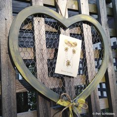 Chicken Wire and Wood Heart from Darice Crafts, ready to paint or embellish!