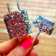 So i know which ones mine!!!! ;) DIY iPhone charger with GLITTER.(: