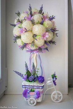1 million+ Stunning Free Images to Use Anywhere Outdoor Christmas Decorations, Flower Decorations, Wedding Decorations, Topiary Centerpieces, Diy Y Manualidades, Branch Decor, Diy Ostern, Flower Ball, Easter Wreaths