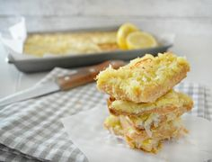These sweet and tangy coconut lemon bars are made with a buttery coconut flour crust, and are bursting with fresh flavors! Paleo Dessert, Dessert Bars, Healthy Desserts, Healthy Cooking, Dessert Recipes, Lemon Bars Healthy, Lemon Coconut Bars, Coconut Flour, Low Carb Protein Bars