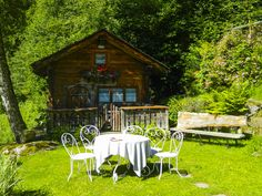 Charming cabin in France - A very charming cabin near Chemonix, France.