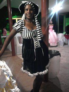 Sandra, minha cunha - Festa dos 15 anos de sua filha, minha sobrinha Thaís - abril/2012...