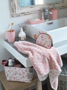 Comptoir De Famille Soap Dispenser Juliette Pink 7 x 10,5 cm | NEW! Herfst/Winter 2013 | Originated-Webshop
