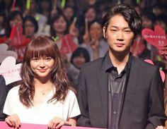 多部未華子が綾野剛とのキスシーンに素直な感想「ヒゲ痛い」 (2015年9月1日掲載)