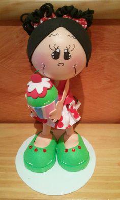 muñecas de goma eva con y sin moldes  http://handcraftpinterest.blogspot.com/
