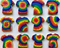 Cookie Icing, Royal Icing Cookies, Tye Dye Cake, Icing That Hardens, Monster Truck Cookies, Tie Dye Party, Cute Cookies, Giant Cookies, Gingerbread Man Cookies