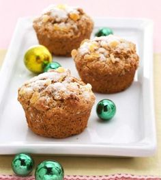 Gingerbread-Sour Cream Muffins: Perfect flavor for the holidays!