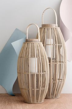 ALETA LANTERN BUBBLE GLASS Clean lines, soft curves, and a straight silhouette. The lantern has been a recurring object all through Broste Copenhagen's his Cane Furniture, Rattan Furniture, Deco Design, Lamp Design, Bamboo Light, African Home Decor, Bamboo Design, Backyard Lighting, Home Decor Inspiration
