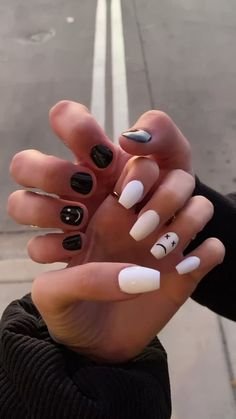 White Lines On Nails, White Nails, Hippie Nails, Nails Now, Acylic Nails, Nail Tattoo, Nail Ring, Piercings, Funky Nails