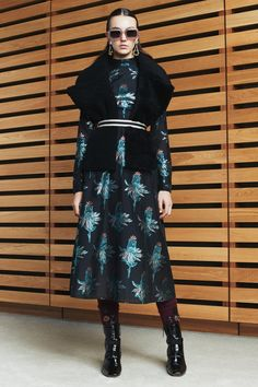 Markus Lupfer Fall 2017 Ready-to-Wear Collection Photos - Vogue Fashion 2017, Star Fashion, Fashion Show, Fashion Outfits, Fashion Design, Fashion Trends, Fall Outfits, Markus Lupfer, Casual Street Style