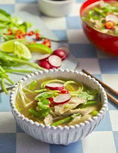 Vietnamese Chicken Pho with Corguette Noodles, Hemsley & Hemsley Healthy Eating, Healthy Food, Healthy Recipes, Healthy Meals, Keto Recipes, Yummy Food, Hemsley And Hemsley, Chicken Pho, Spiralizer Recipes