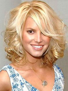 Medium Length Wavy Hairstyles – Style Your Hair Like a Celebrity ...