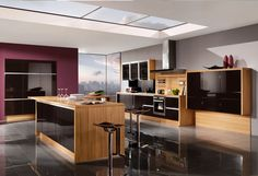 High Gloss Kitchen Design in Black and Veneer