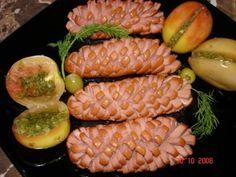 Сосиски – настоящее вдохновение для творческих кулинаров, и блюда, о которых мы расскажем в нашей подборке необычных кушаний для детей и взрослых из сосисок – тому подтверждение. Речь в нашей подбо…