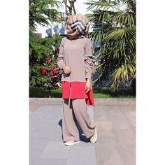 Sen de son zamanlarda rahatlık arayanlardansan bu takım tam senlik! 😉Profilimizdeki linke hemen 👆 tıkla ve incele! Butikgez.com dan da 13681 koduyla aratıp🔎bulabilirsin #butik_minya⠀ #hijab #hijabfashion #tesettür#takım#hijabfashion#sale#tesetturmoda⠀ Comfy Suit 😉 Click on the link on our profile 👆 and check it! From Butikgez.com you can 🔎 find out about 13681 #butik_minya⠀ #hijab #hijabfashion #tesettur#suit