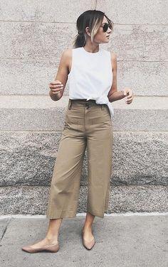 A white top, khaki pants, and beige flats beige pants outfit, cullotes outf Beige Pants Outfit, Khaki Pants Outfit, Flats Outfit, Outfit Work, Simple Outfits, Summer Outfits, Casual Outfits, Cute Outfits, Cullotes Outfit Casual