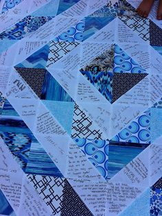 New Gold Wedding Book Quilt Souvenirs 23 Ideas - Weddings - Dresses, Engagement Rings, and Ideas! Quilt Guest Books, Book Quilt, Quilt Top, Wedding Guest Quilt, Wedding Quilts, Quilting Projects, Quilting Designs, Sewing Projects, Niklas