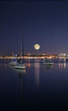 The bay of Luanda (Angola), by Angola Image Bank™ | Kodilu, Lda. / 500px