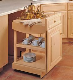 Small Kitchen Makeover 31 Amazing Kitchen Makeover Ideas and Storage Solutions - These 33 amazing kitchen makeover ideas and storage solutions will surely inspire you! Find the best kitchen makeover ideas for your home. Hidden Kitchen, Small Kitchen Storage, Kitchen Organization, Closet Organization, Bathroom Storage, Small Bathroom, Kitchen Cart, Kitchen Decor, Kitchen Cabinets