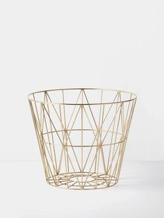 Large Brass Wire Basket design by Ferm Living Wire Baskets, Storage Baskets, Basket Lighting, Pallet Patio Furniture, Furniture Ideas, Wire Storage, Decorative Storage, Messing, E Design