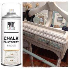 Del blog Un Rincón de Mi, nos llega este impresionante post en el que nos explica cómo pintar un galán de noche muy DIY con nuestra Chalk Paint Spray Pintyplus. Visitad el blog y mirad cómo era antes, alucinaréis!!  http://www.shakingcolors.com  Supporting DIY with our spray paint.