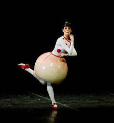 5. The Triadic Ballet by Gerhard Bohner, Round Skirt, MartaNavarrete Villalba, copyright C.Tandy WEB